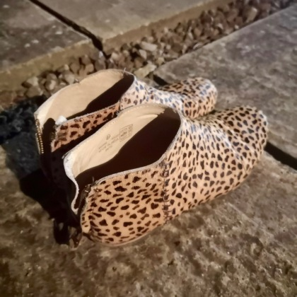 Mini Boden - the trusty leopard boots